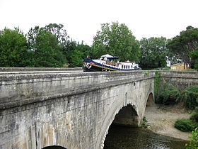 Image illustrative de l'article Pont-canal de Cesse
