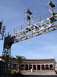 Puente de se ales de la estaci n de barcelona francia for Como ir de barcelona a francia