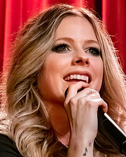 Avril Lavigne @ Grammy Museum 09 05 2019 (49311430057) (cropped).jpg