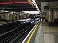 Baker Street stn Metropolitan through platforms look south.JPG