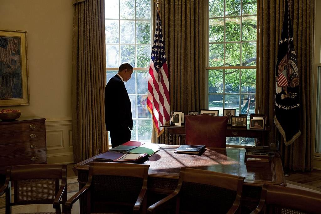 File barack obama in the oval office 2009 - When is obama going to be out of office ...