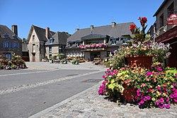 Bazouges-la-Pérouse (35) Mairie - 02.jpg