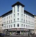 Berlin, Kreuzberg, Oranienplatz 1, Mietshaus.jpg