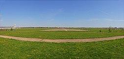 Berlin Spring 2012 Tempelhofer Feld.jpg
