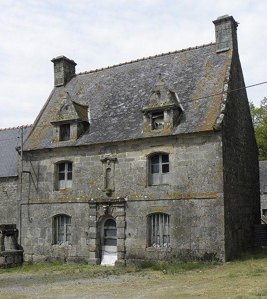 Vieille maison sise Rue de Kerven à Bieuzy (56).