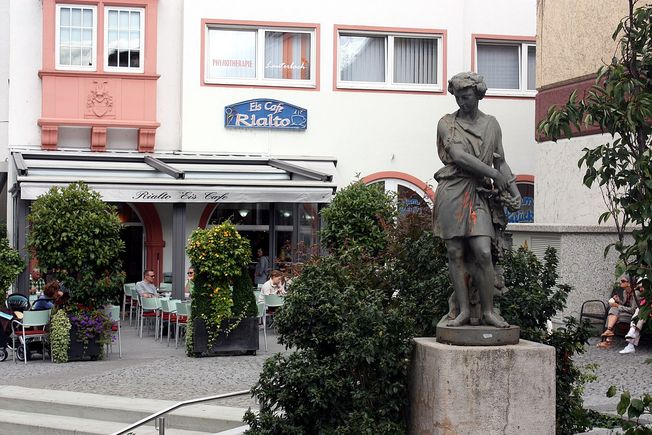 "Bingen, the ice cream parlour ""Rialto"".JPG"