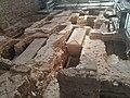 Blick auf die Ausgrabungen im Mittelschiff der St. Johanniskirche.jpg