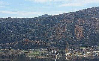 Ossiach - Image: Blick von Bodensdorfnach Ossiach