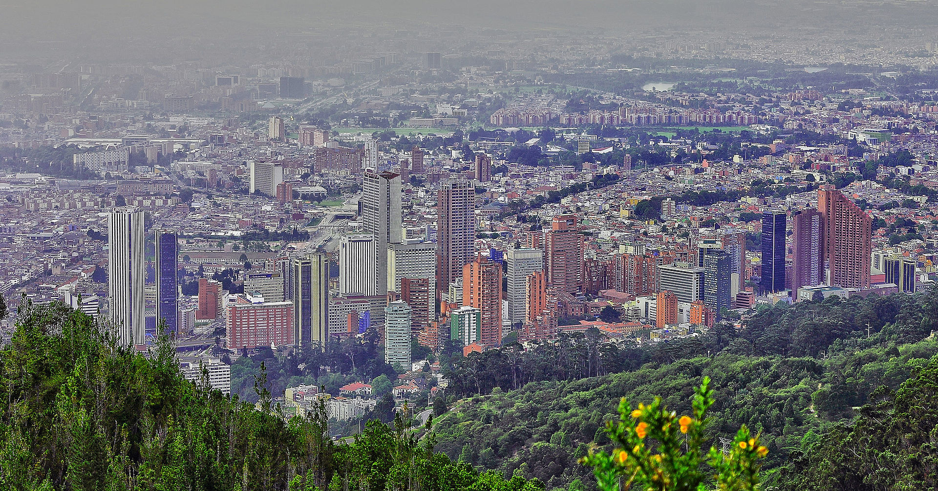Bogotá from the eastern mountains. Picture by Omar Monroy