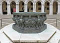 Bronze well in the courtyard of Doges palace Venice North.jpg