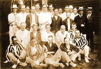 Club Atlético del Rosario - Rosario and Buenos Aires players posing together during a cricket match, 1916