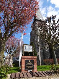 Bullecourt church, Souvenir Français monument.jpg