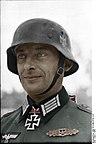 Bundesarchiv Bild 101I-089-3779-11A, Russland, Hauptmann mit Ritterkreuz Recolored.jpg