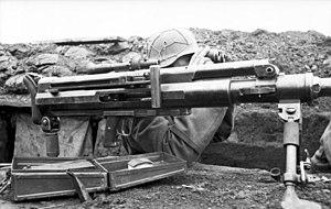 Solothurn S-18/100 - Image: Bundesarchiv Bild 101I 189 1250 11, Russland Süd, Soldat mit Panzerbüchse