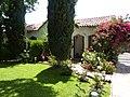 Burbank, CA, a 1930's House, 2010 - panoramio.jpg