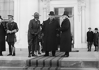 Robert Baden-Powell, 1st Baron Baden-Powell - Reviewing the Boy Scouts of Washington, D.C. from the portico of the White House: Baden-Powell, President Taft, British ambassador Bryce (1912)