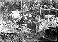 COLLECTIE TROPENMUSEUM Ingestorte huizen na de aardbeving op Bali in 1917 TMnr 10004138.jpg
