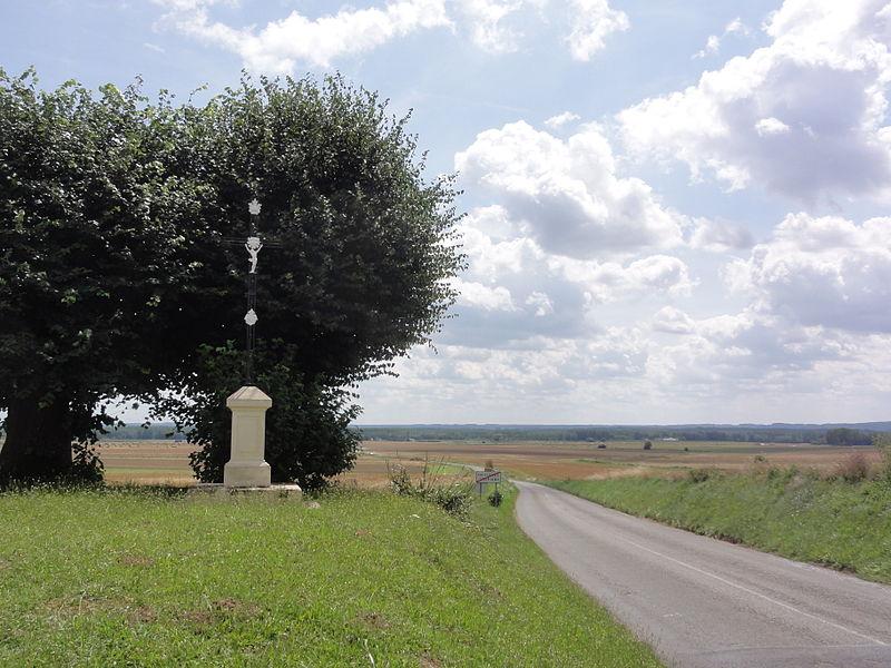 Caillouël-Crépigny (Aisne) croix de chemin à Crépigny