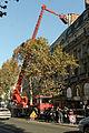 Camion-nacelle place Saint-Michel (Paris) 01.jpg