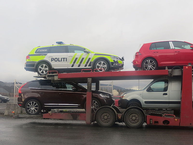 File:Car transport norway police IMG 2435.JPG