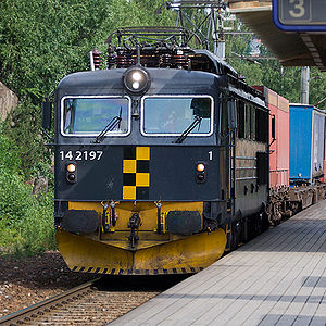 CargoNet - A CargoNet El 14 locomotive hauling a freight train
