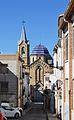 Carrer dels Dolors i església de sant Pere, Beniarrés.JPG