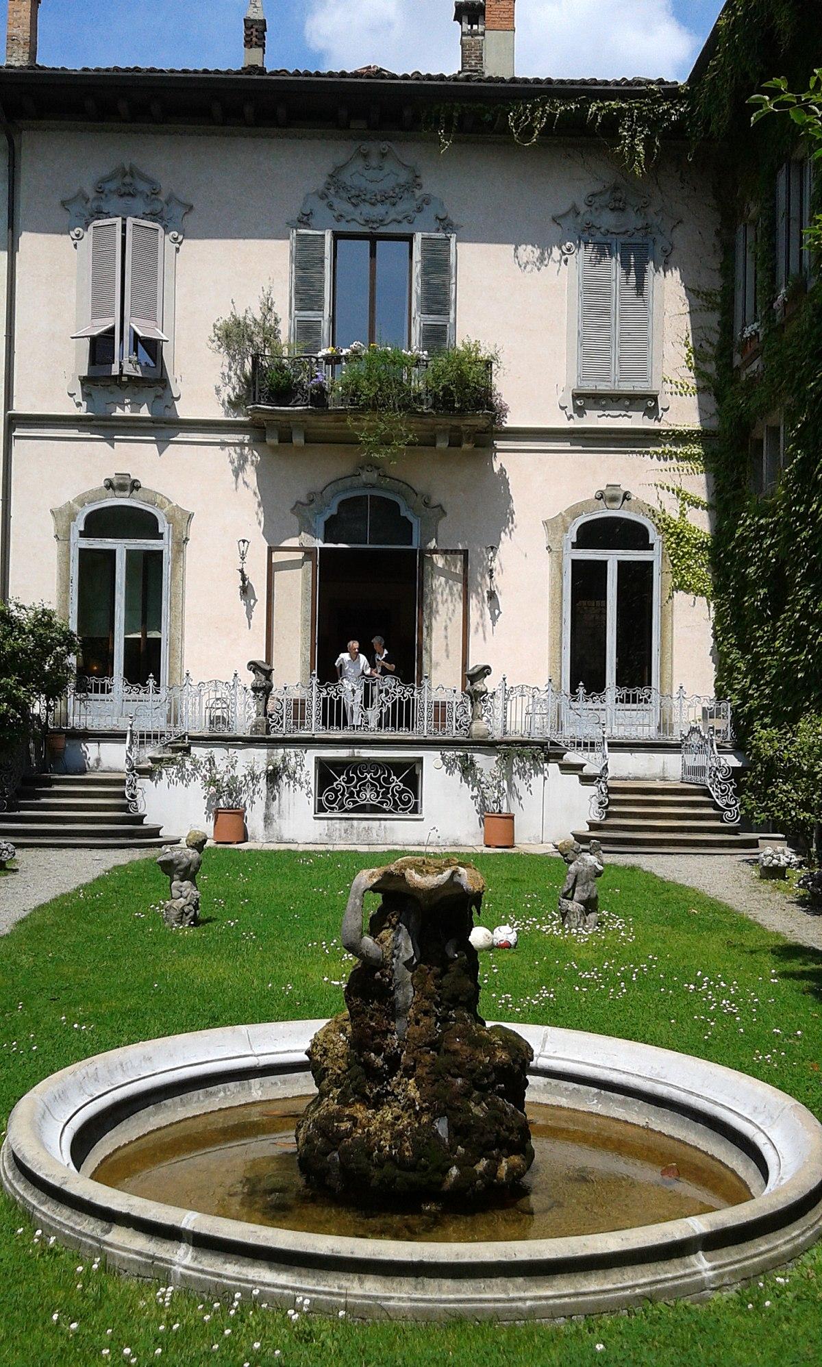 Casa degli Atellani (Milan) 05.jpg