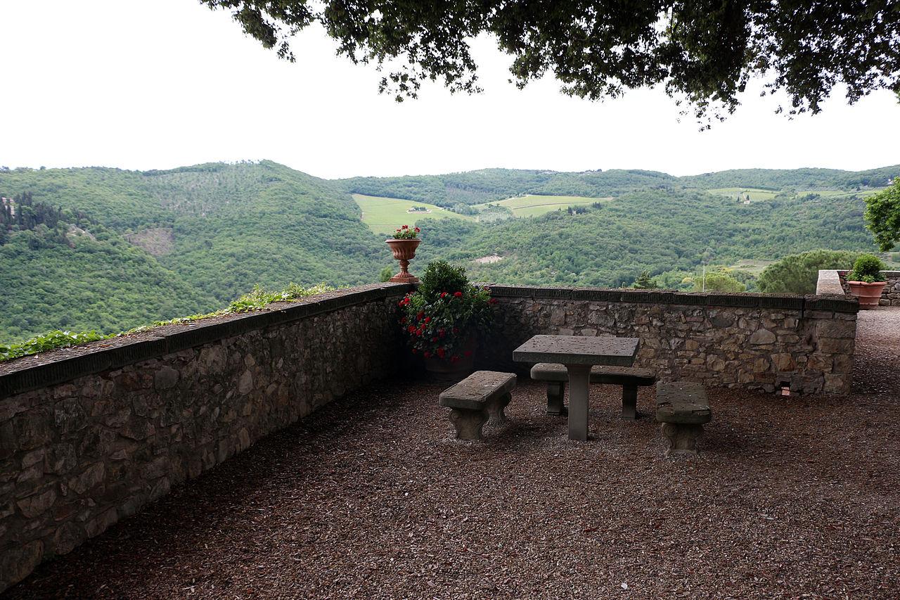 File castello di vicchiomaggio giardini 06 jpg for Arredatori di giardini