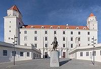 Castillo de Bratislava, Eslovaquia, 2020-02-01, DD 59.jpg