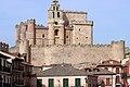 Castillo de Turégano desde la Plaza de España.jpg