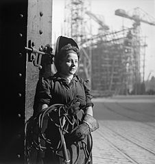 Cecil Beaton Photographs- Tyneside Shipyards, 1943 DB65.jpg