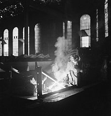 Cecil Beaton Photographs- Tyneside Shipyards, 1943 DB84.jpg