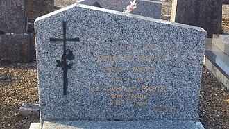 Salima Machamba - Image: Cemetery of Pesmes Ursule Salima Machamba's grave (close up)