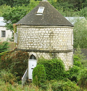 Chalford - Round house at Chalford