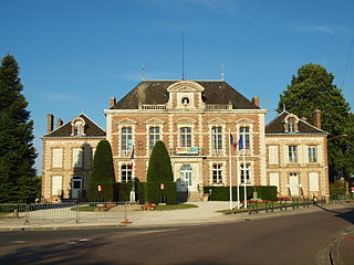 Chéroy Commune in Bourgogne-Franche-Comté, France