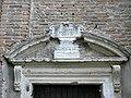 Chiesa di San Francesco, portale laterale, dettaglio (Montagnana) 01.jpg