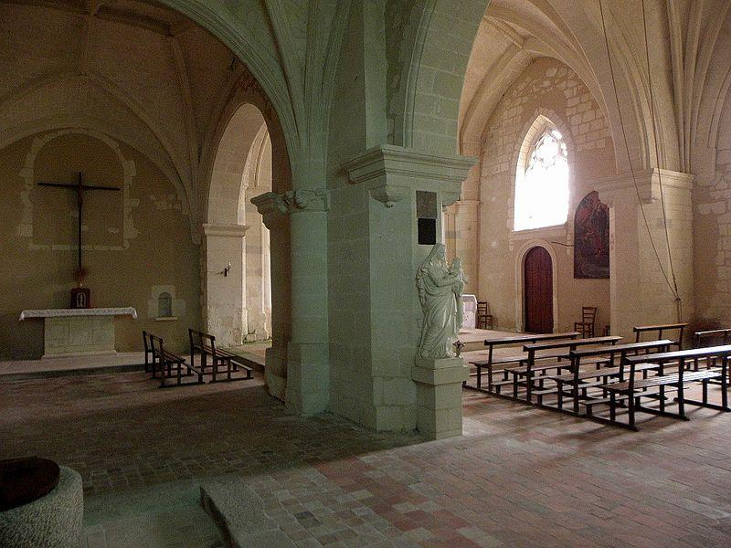 Église Saint-Pierre et Saint-Paul de Chigné(49). Collatéral nord et nef.