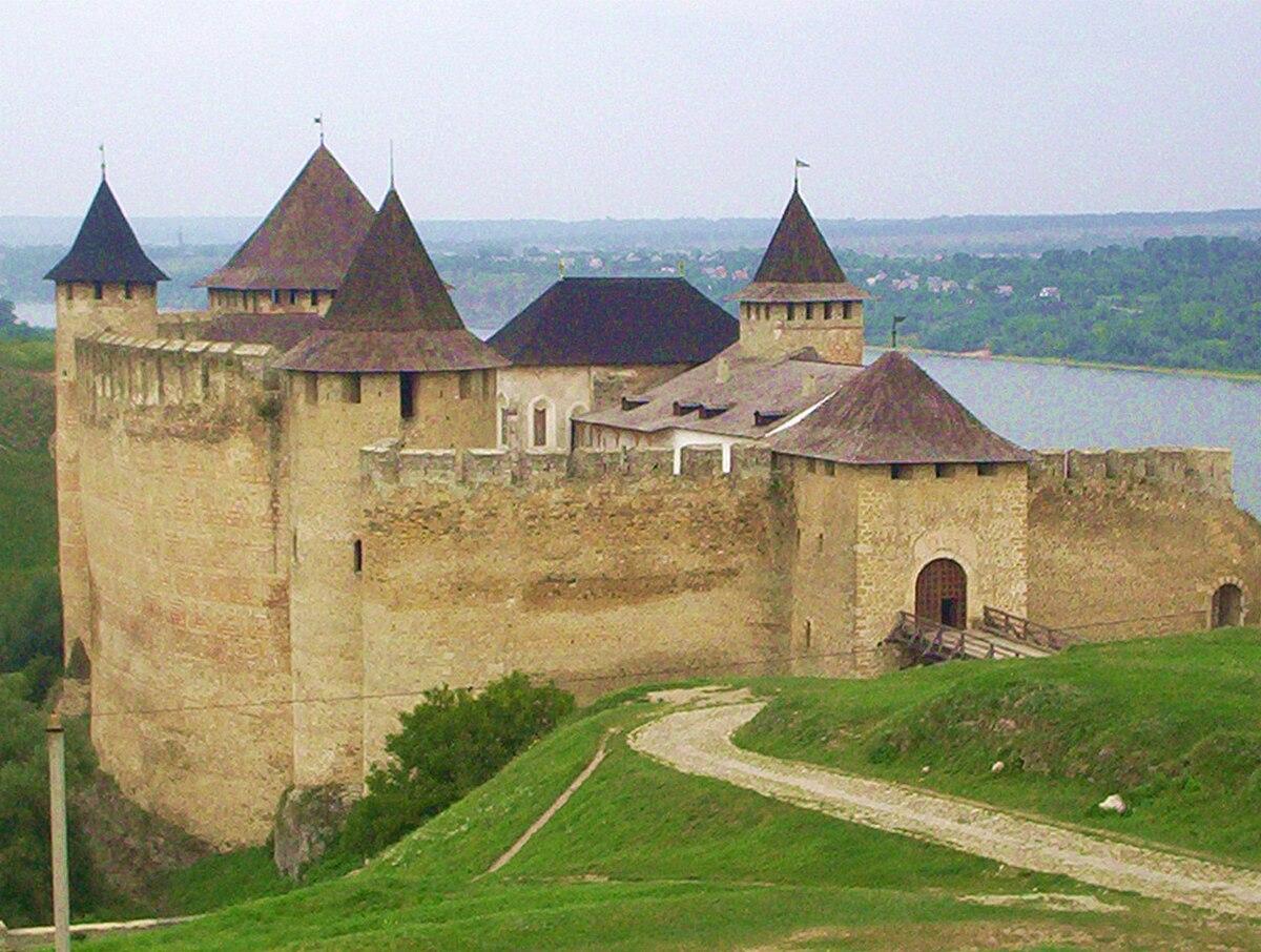 Znalezione obrazy dla zapytania zamek chocim