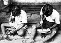 Collectie NMvWereldculturen, TM-10014313, Repronegatief, 'Zilverbewerking Djokja', fotograaf onbekend, 1900-1940.jpg