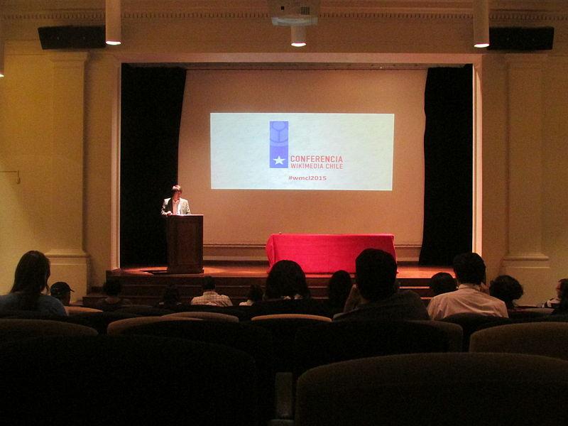 File:Conferencia Wikimedia Chile 2015 - Día 1 - Bloque I - Imagen 02.JPG