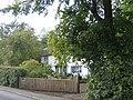 Cottage on B2100 - geograph.org.uk - 251124.jpg