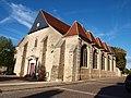 Courtenay-FR-45-église-extérieur-02.jpg