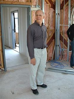 David Gross at construction works of the KITP.jpg