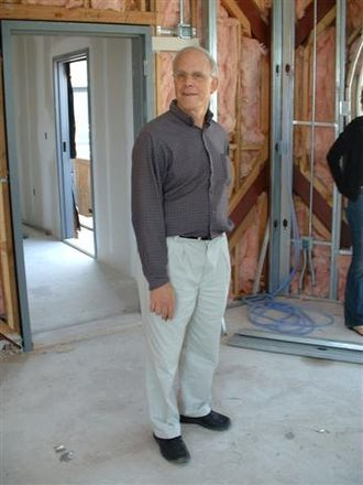 David Gross - Image: David Gross at construction works of the KITP