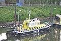 De RWS 16 voor de wal in de haven bij Rosandepolder (02).JPG
