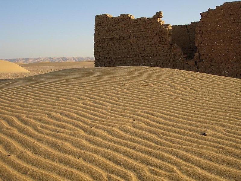 A Scrorching Desert in Egept 800px-Desert_building-dakhla-egypt
