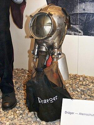 Firefighter's helmet - Dräger smoke helmet, German fire service museum