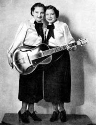 Yodeling - Caroline (l) and Mary Jane Dezurik