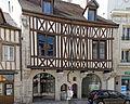 Dijon maison pan de bois 100 rue Monge 01.jpg