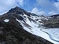 Disgelo, lago e castel di Bombasel - panoramio.jpg